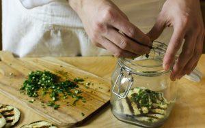 pickled-aubergines-jar-filling-procedure